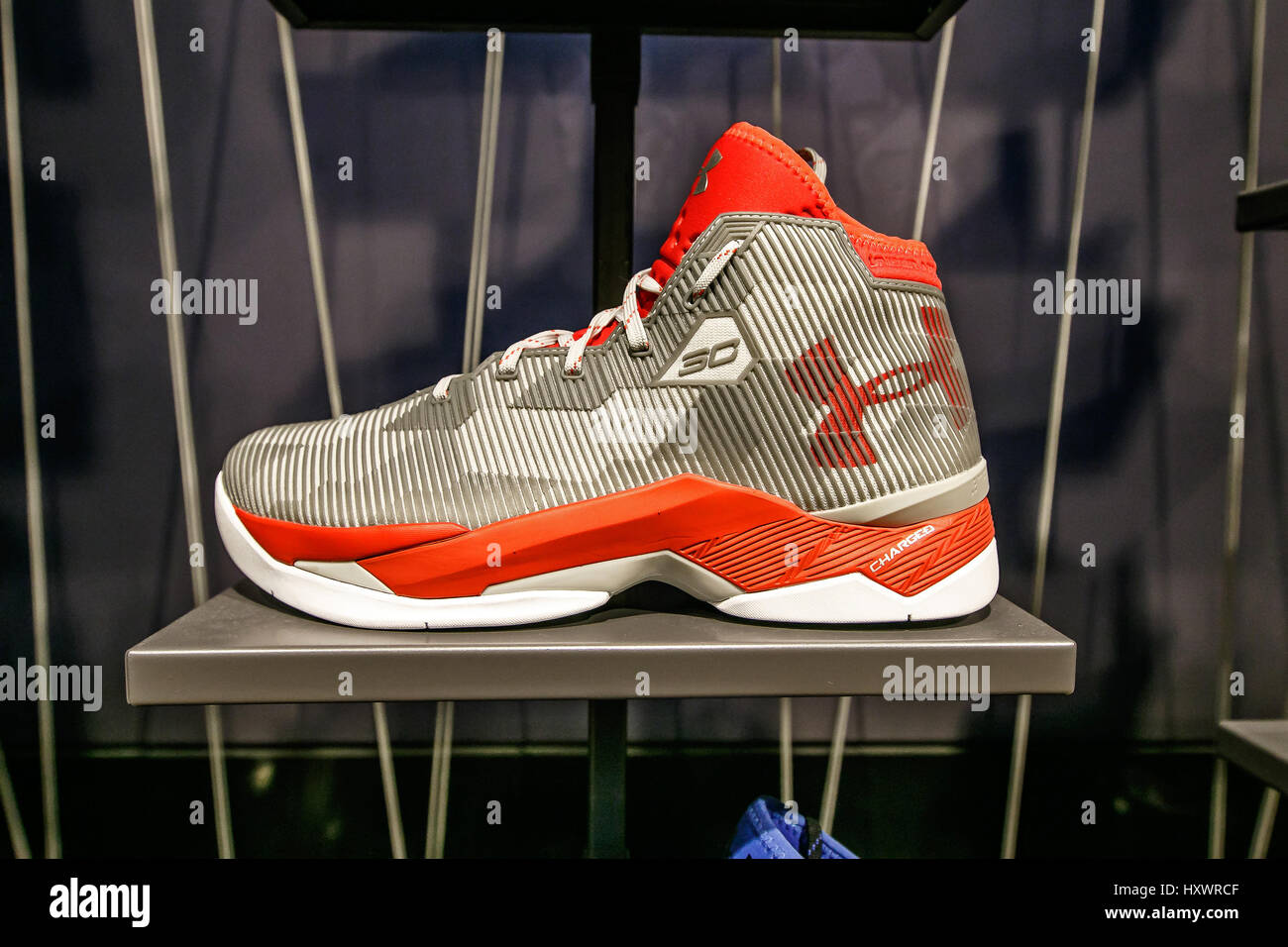 Basketball Schuhe Stockfotos & Basketball Schuhe Bilder Alamy