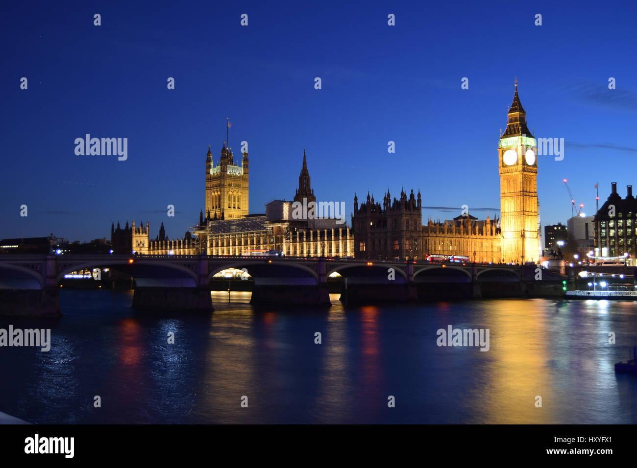 Big Ben und die Houses of Parliament in der Nacht Stockbild