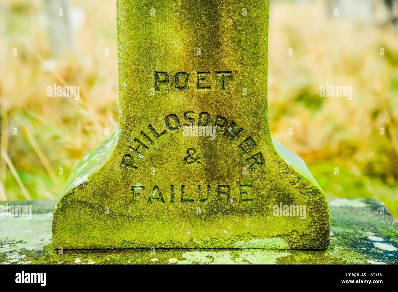 """""""Dichter-Philosoph und Versagen"""" Inschrift auf Grabstein in Heysham, Lancashire, UK Stockbild"""