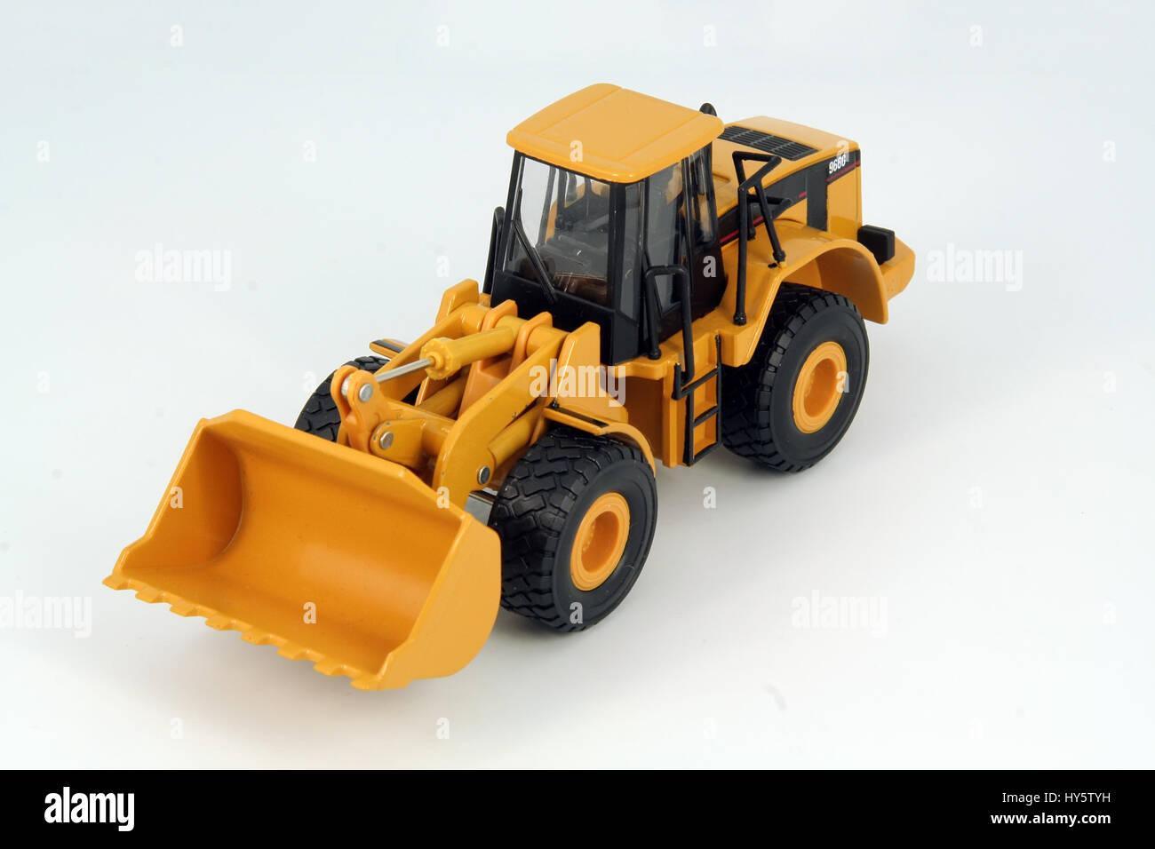 bulldozer spielzeug. bagger spielzeug stockfoto, bild: 137197637 - alamy