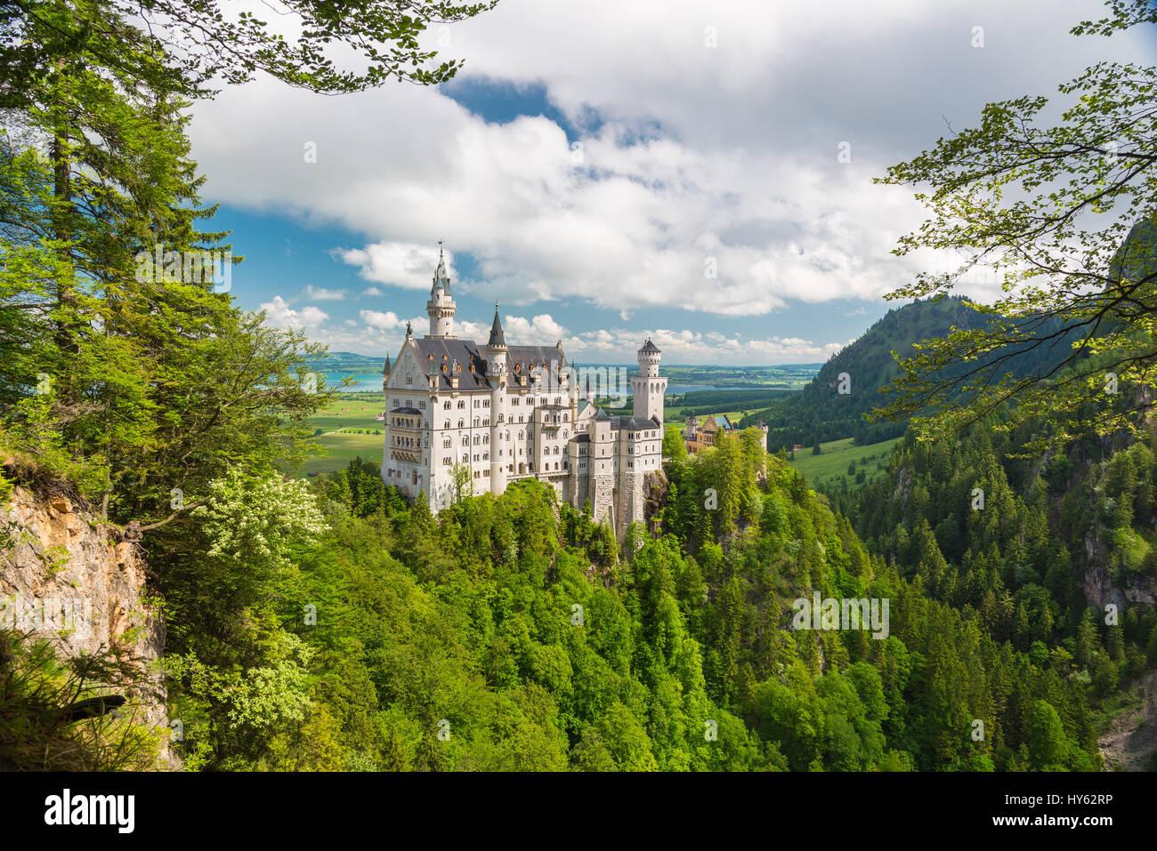 Malerische Naturlandschaft mit Schloss Neuschwanstein. Bayern, Deutschland Stockbild
