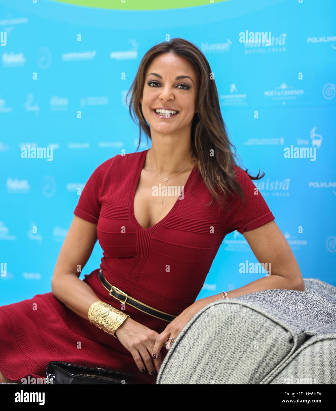 schauspielerin und model eva larue posiert f r fotos vor. Black Bedroom Furniture Sets. Home Design Ideas