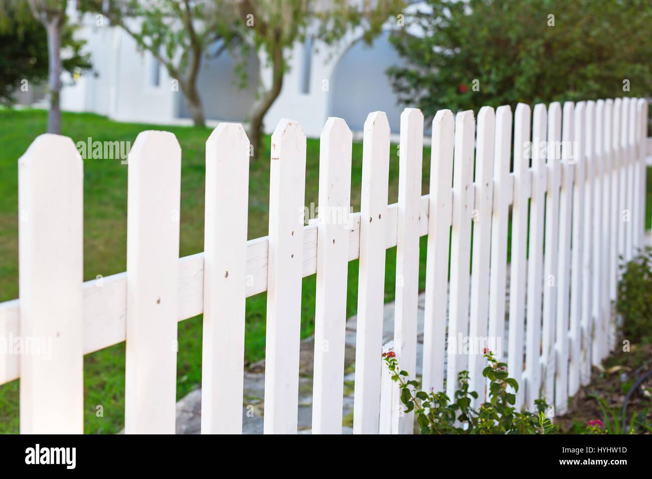 county stil weiße holzzaun stockfoto, bild: 137461113 - alamy
