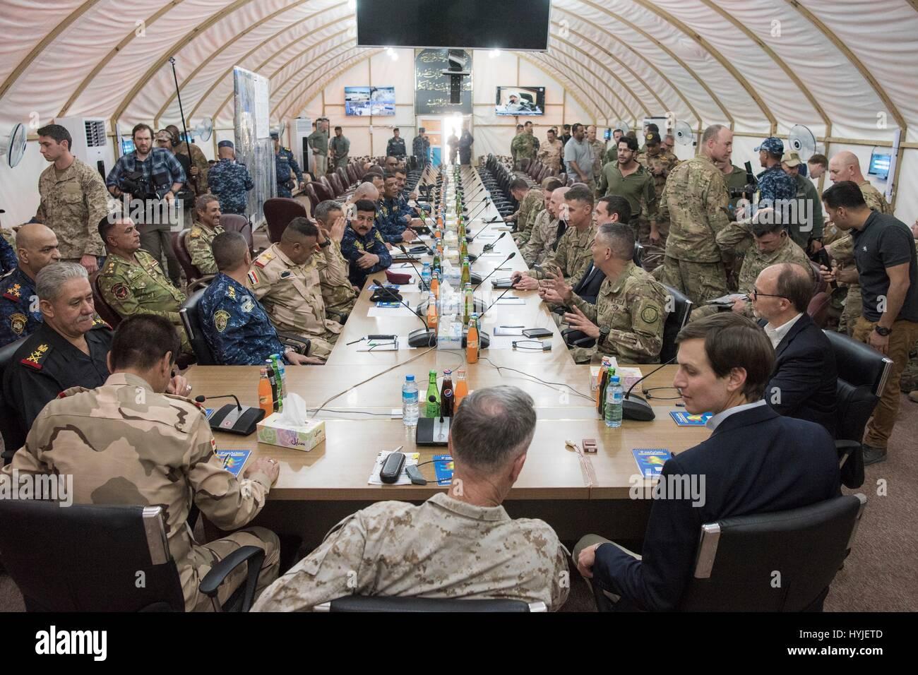 Senior Military Advisor U S Army Stockfotos & Senior Military ...