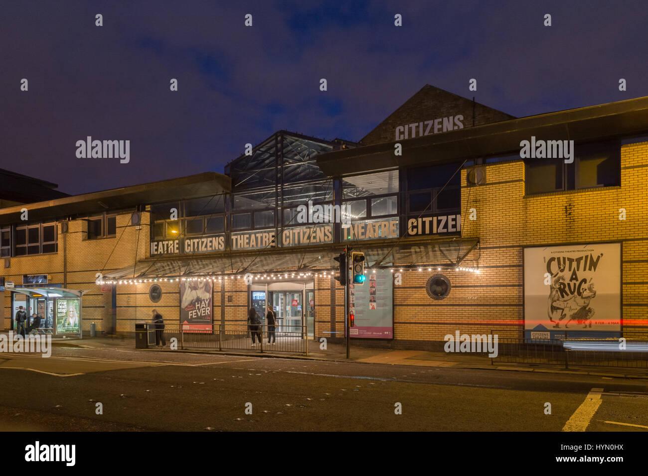 Bürgerinnen und Bürger Theatre Glasgow Schottland in der Nacht Stockbild