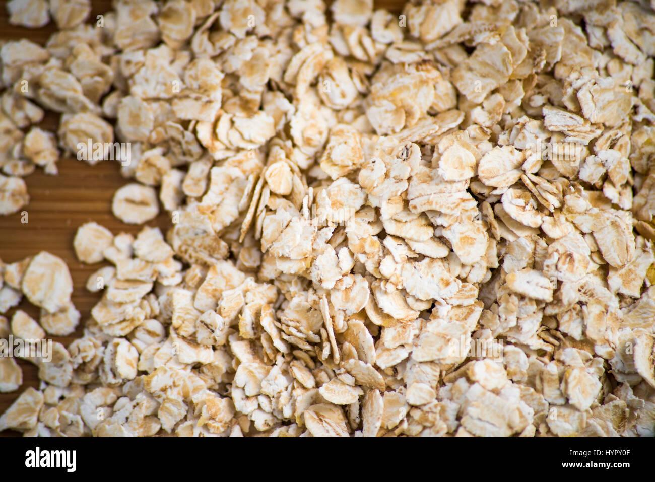 golden syrup porridge stockfotos golden syrup porridge bilder alamy. Black Bedroom Furniture Sets. Home Design Ideas