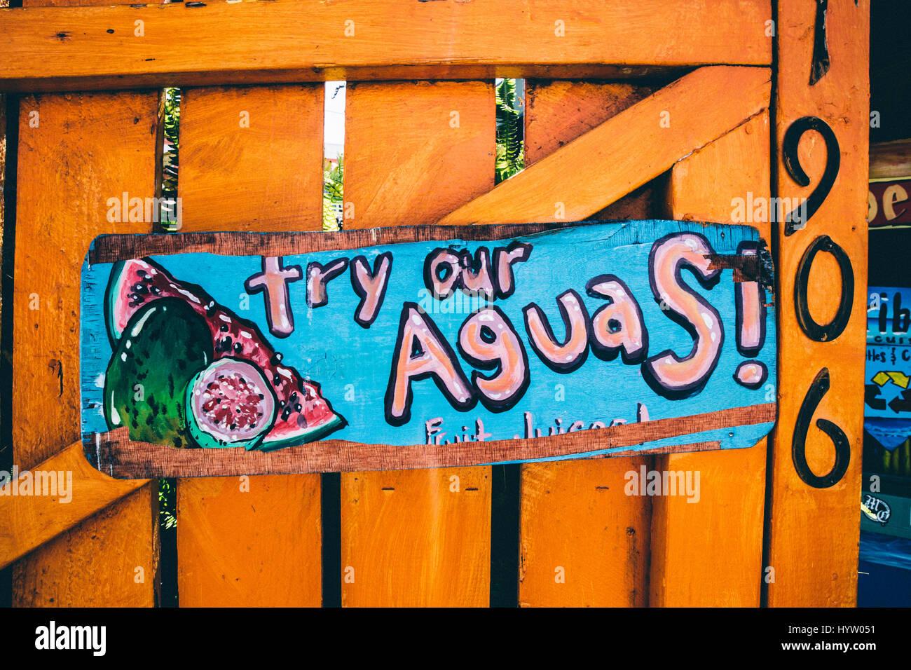 Probieren Sie unsere Aguas! Melden Sie sich an Los Angeles, CA, USA Stockbild