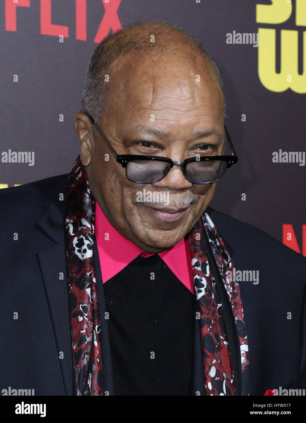 "Los Angeles, USA. 6. April 2017. Quincy Jones, der Premiere von Netflix ""Sandy Wexler"". Bildnachweis: Stockbild"