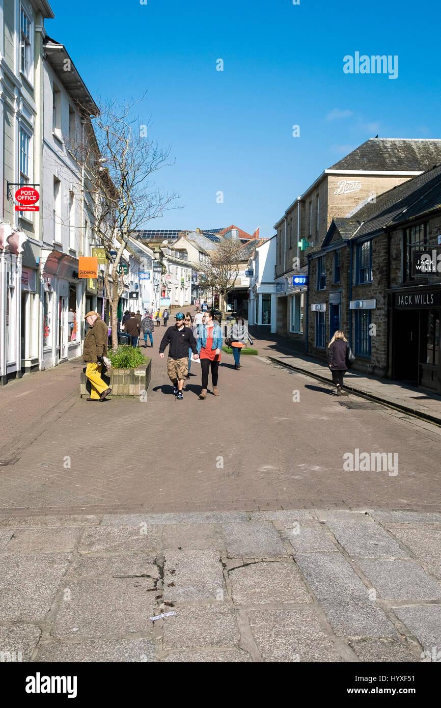 Pydar Straße Truro Menschen Fußgänger Pedestrianised Geschäfte Läden Straßenszene Stockbild