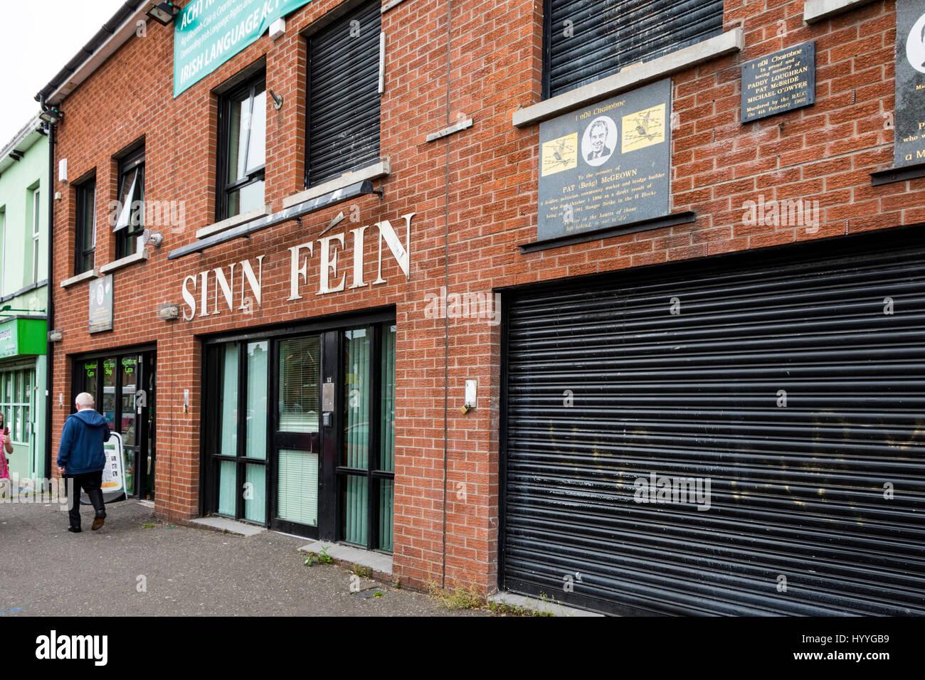 Die Sinn Féin-Büro auf der Falls Road, Belfast, Grafschaft Antrim, Nordirland, Vereinigtes Königreich Stockbild