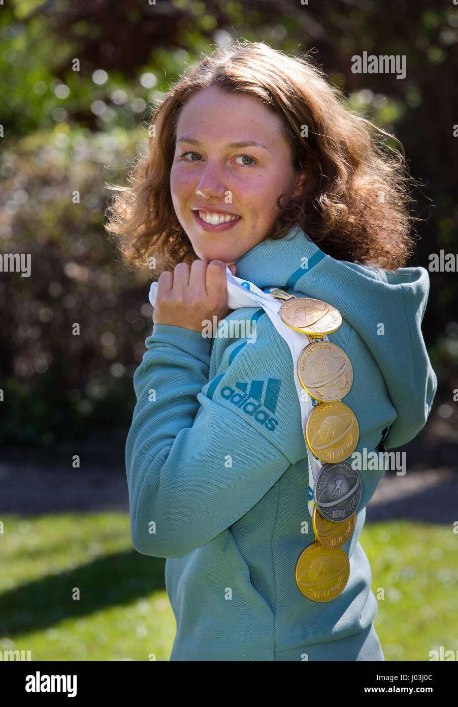 Laura Dahlmeier, deutsche Biathletin, mit fünf WM-gold-Medaillen und eine Silbermedaille, World Cup der Saison Stockbild