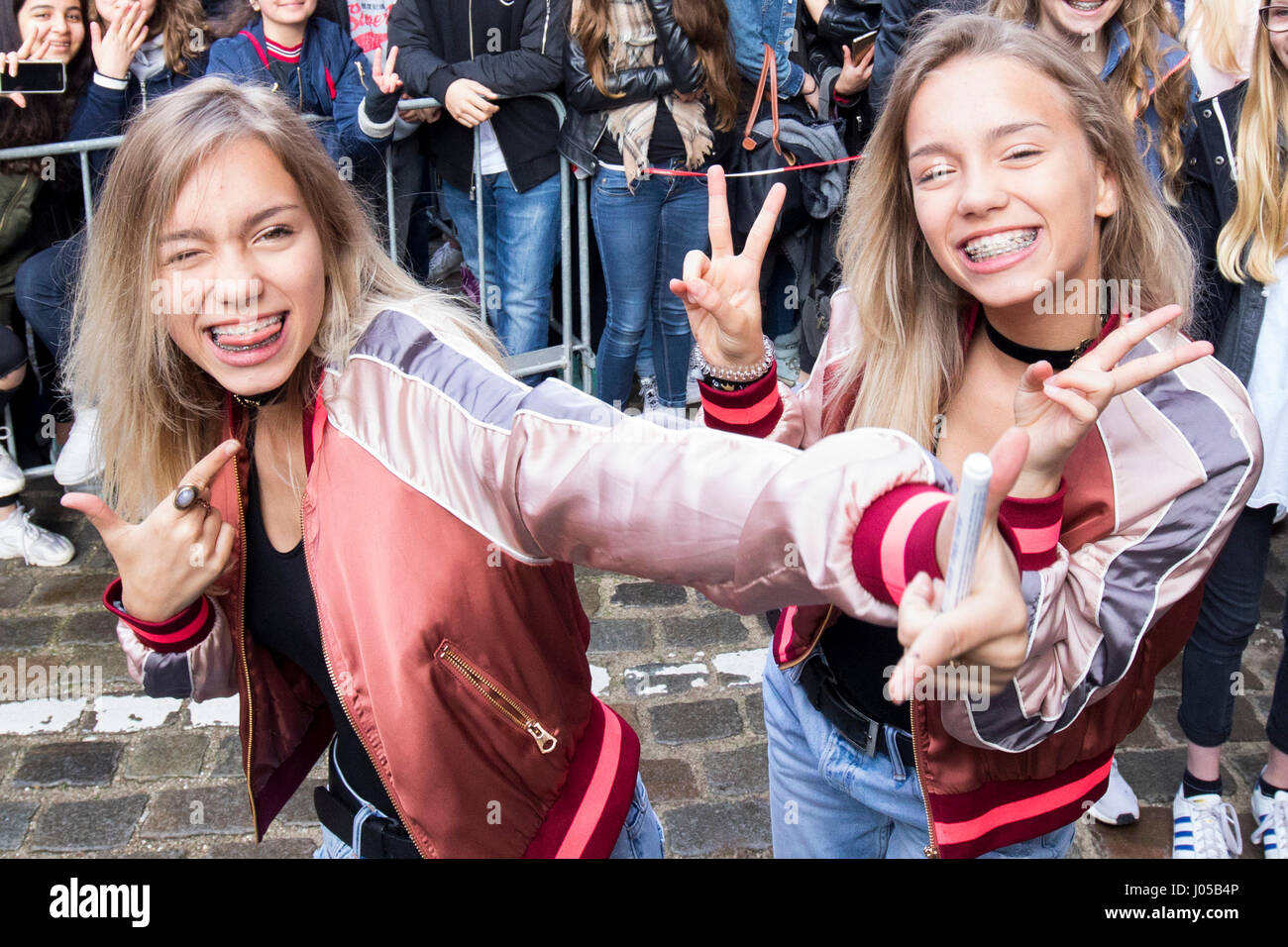 Die Musically Und Social Media Stars Lena L Und Lisa
