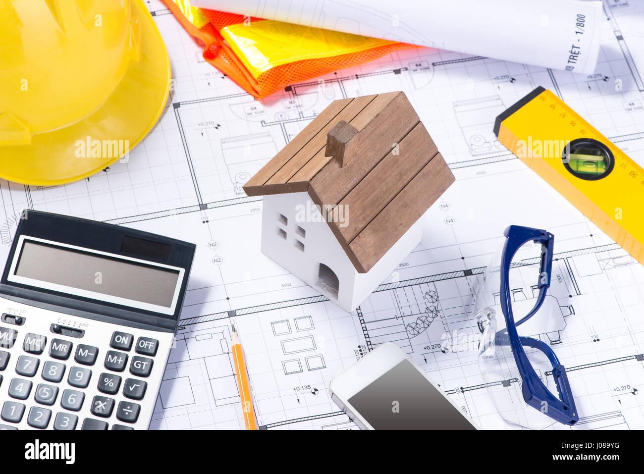 Plan Und Werkzeuge. Grundriss Und Taschenrechner,  Architektur Business Konzepte Und Ideen