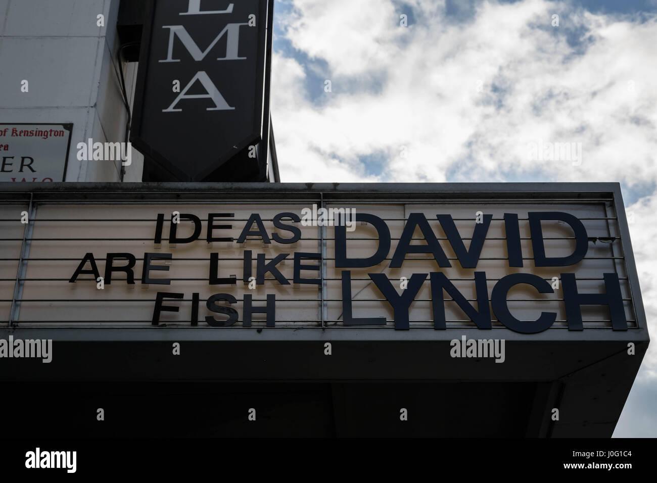 """""""Ideen sind wie Fisch"""" Zitat von Regisseur David Lynch gesehen auf ein Kino in Kensington, London, UK. Stockbild"""