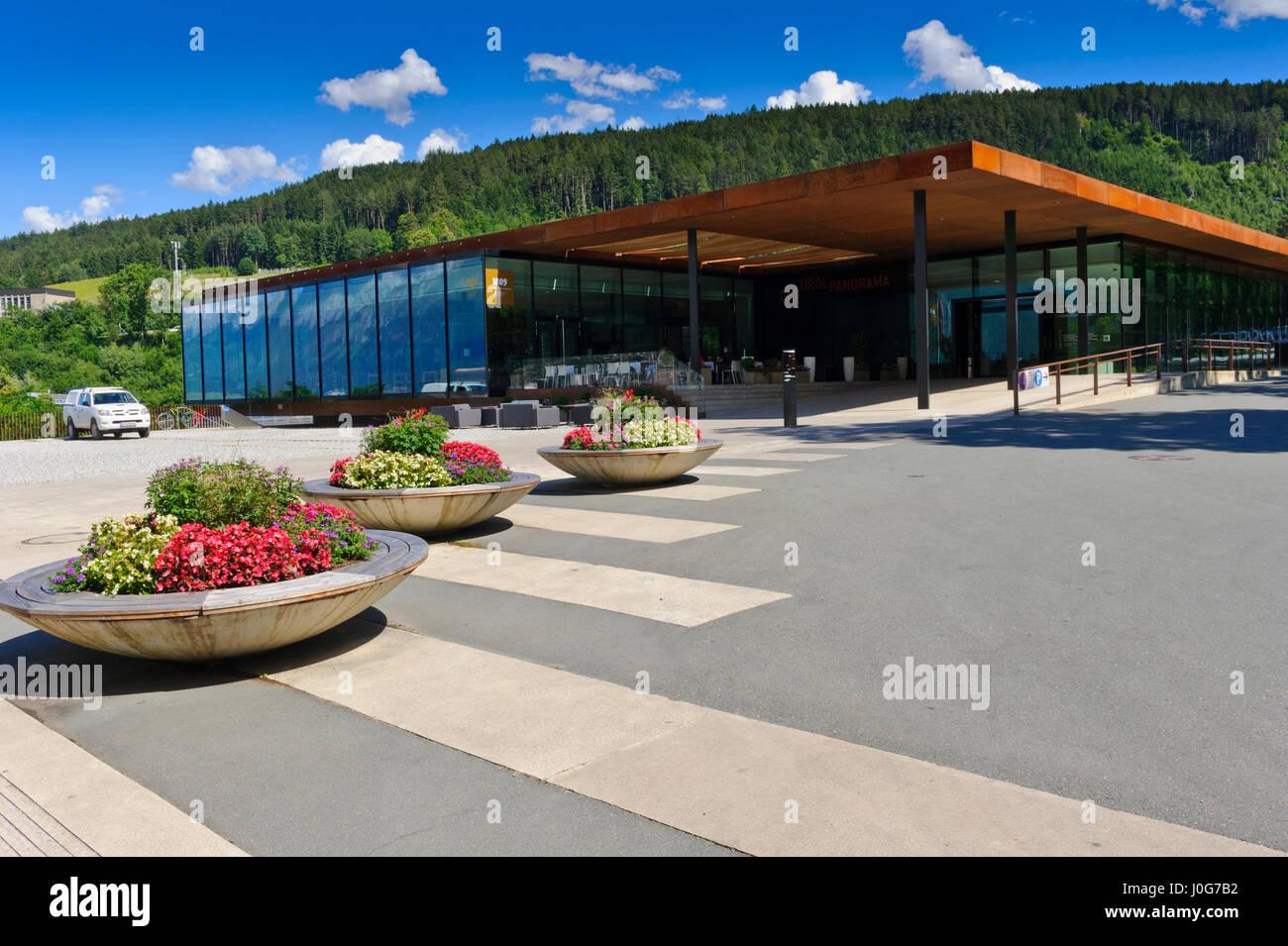Das Tirol Panorama Museum der Tiroler Geschichte & Kultur mit ein riesiges Panorama-Malerei, ein Café und Stockbild