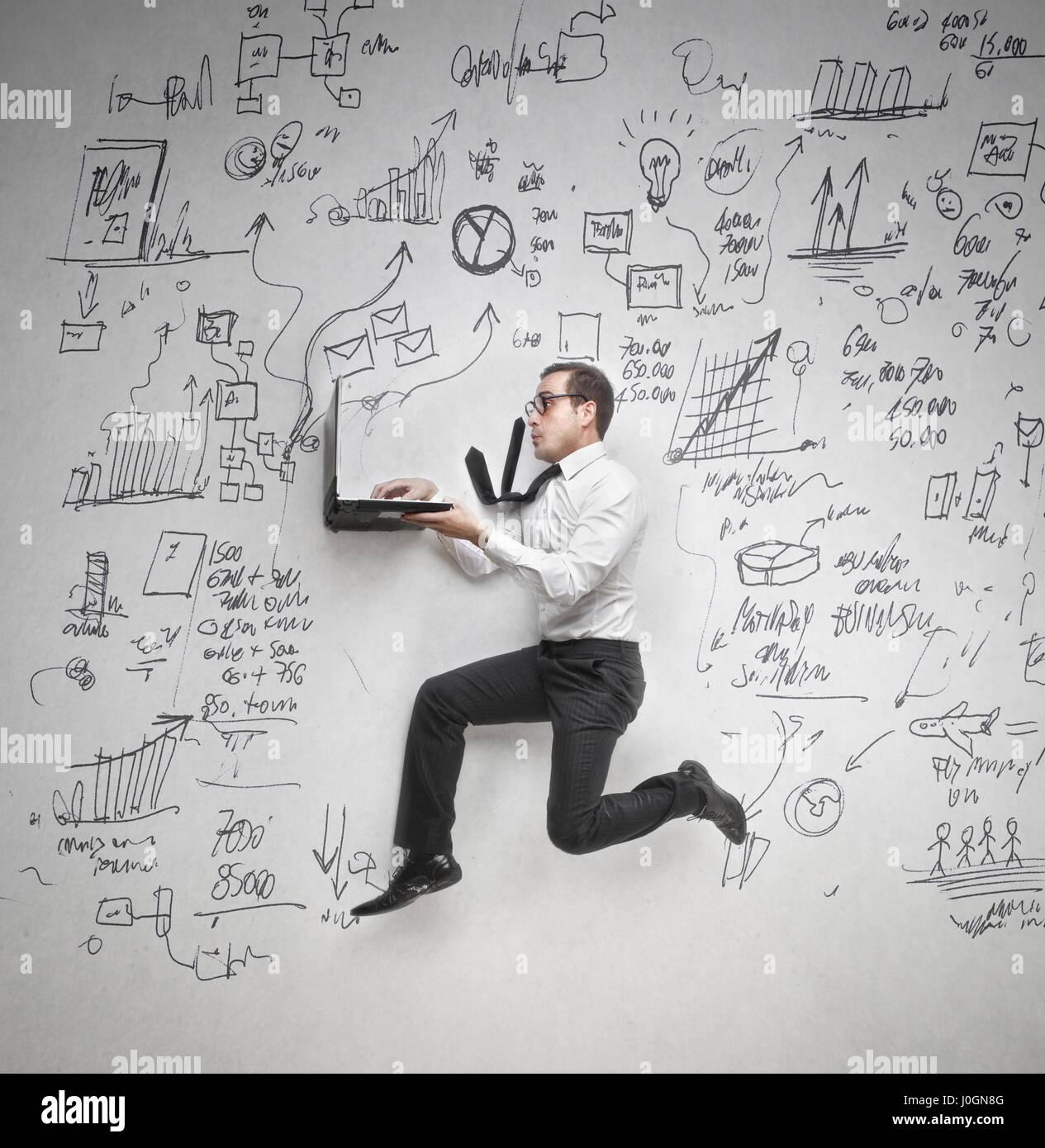 Geschäftsmann, arbeiten mit laptop Stockbild