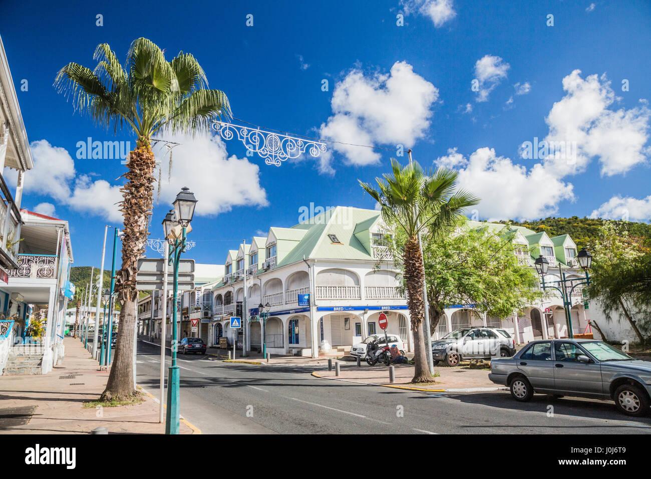 Eine Hauptstraße in Pointe-à-Pitre, Guadeloupe Stockbild