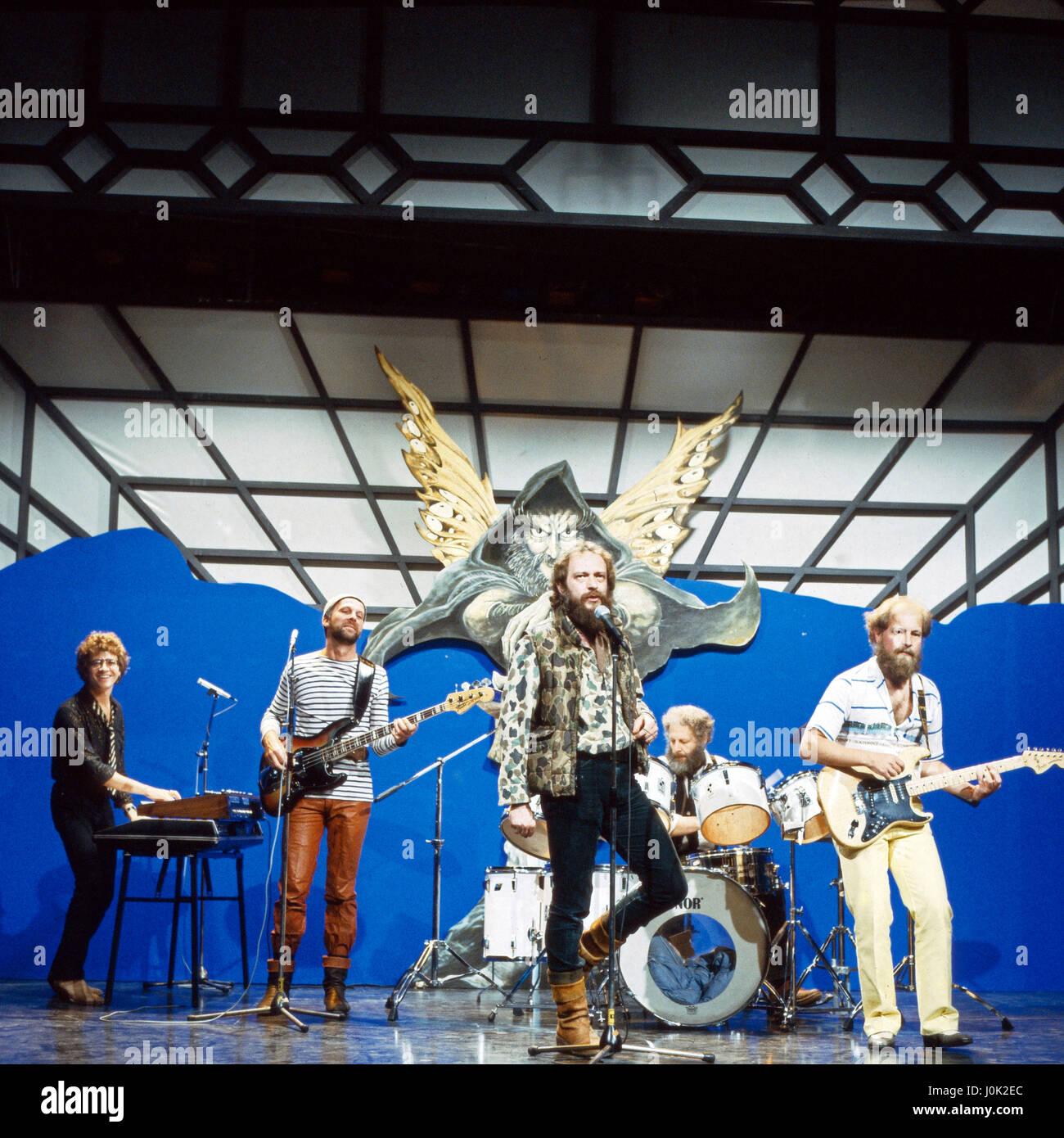 """Britische Progressive Rock Band """"Jethro Tull"""" bei einem Auftritt in Deutschland, 1980er Jahre. Britischen Stockbild"""