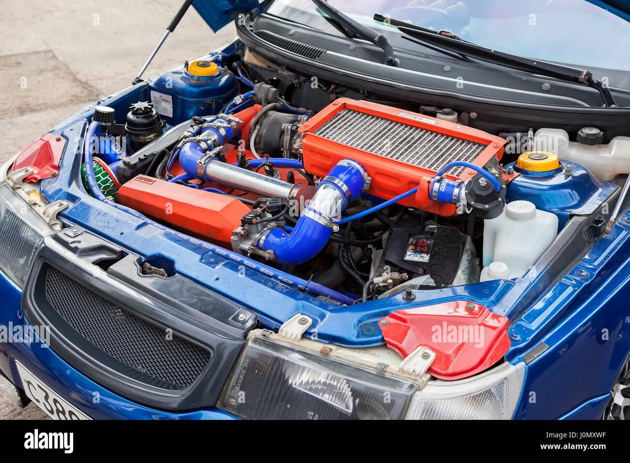 Samara, Russland - 5. September 2015: Tuned Turbomotor Auto Lada Closeup Stockbild
