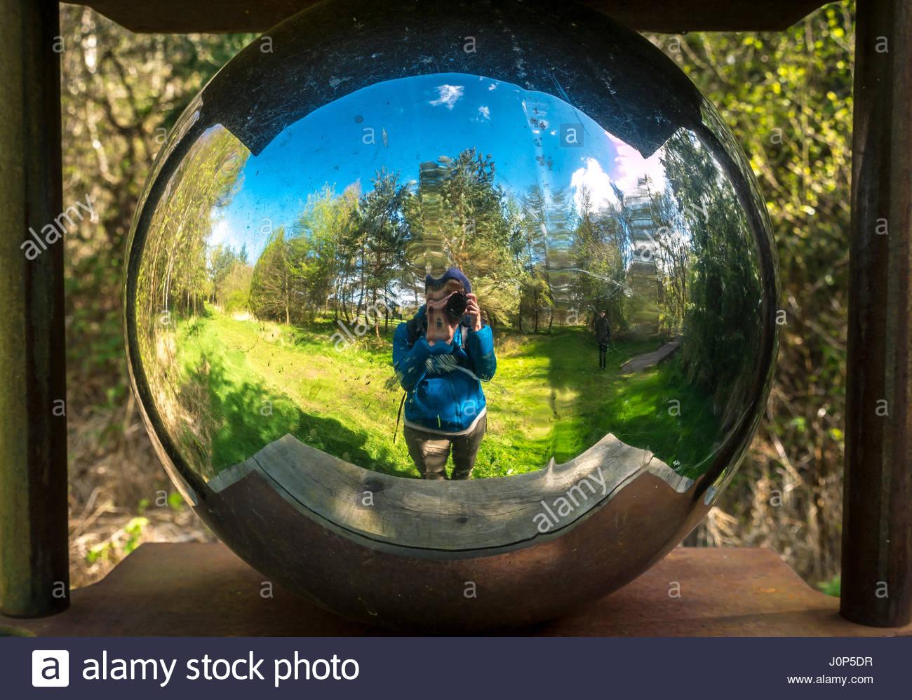 Globe sculpture stockfotos globe sculpture bilder alamy for Der spiegel spanien