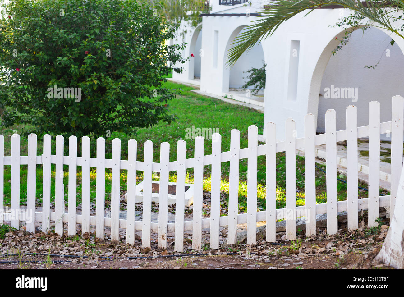 White Picket Garden Gate Stockfotos & White Picket Garden Gate