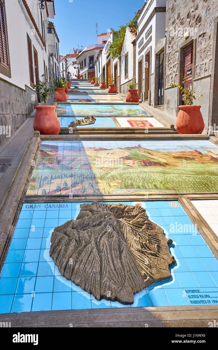 Keramikfliesen, zeigt Teile der Kanarischen Inseln, Firgas, Gran Canaria, SpanienStockfoto