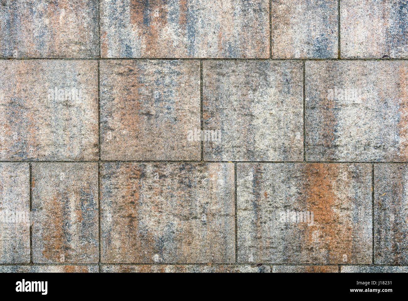 schmutzig drau en terrasse fliesen platten bild von au en. Black Bedroom Furniture Sets. Home Design Ideas