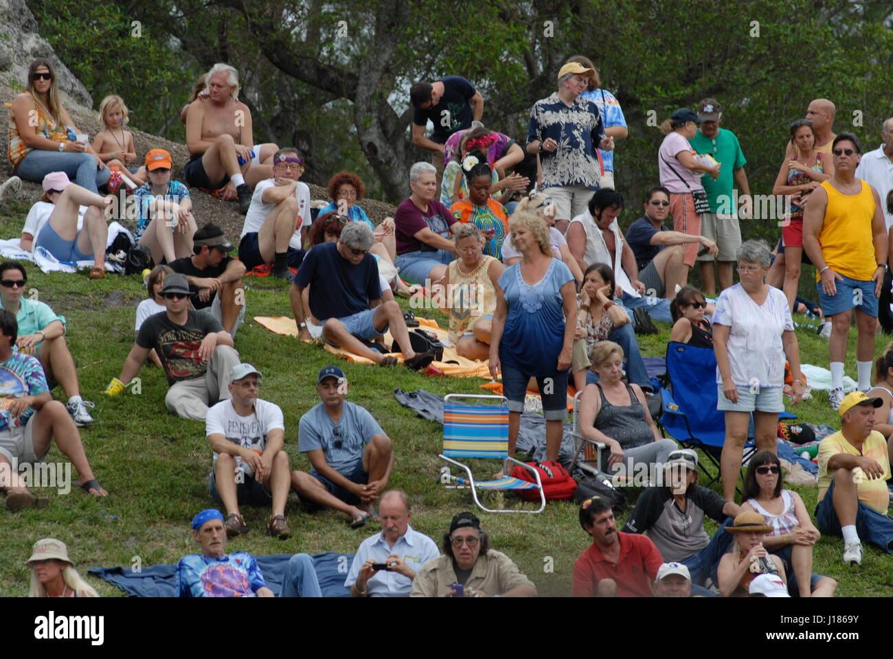 info for b790c 8b9fa Hippie Festival Liebe in Miami Florida USA Menschen ...