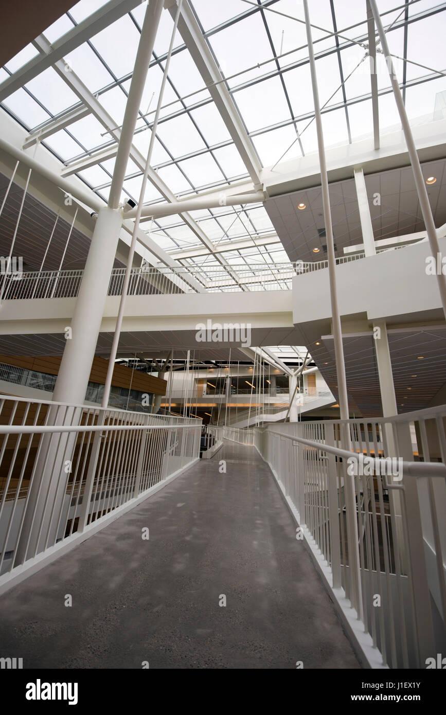 Plexus überbrücken Geländer Säulen der transparenten Glasdach ...