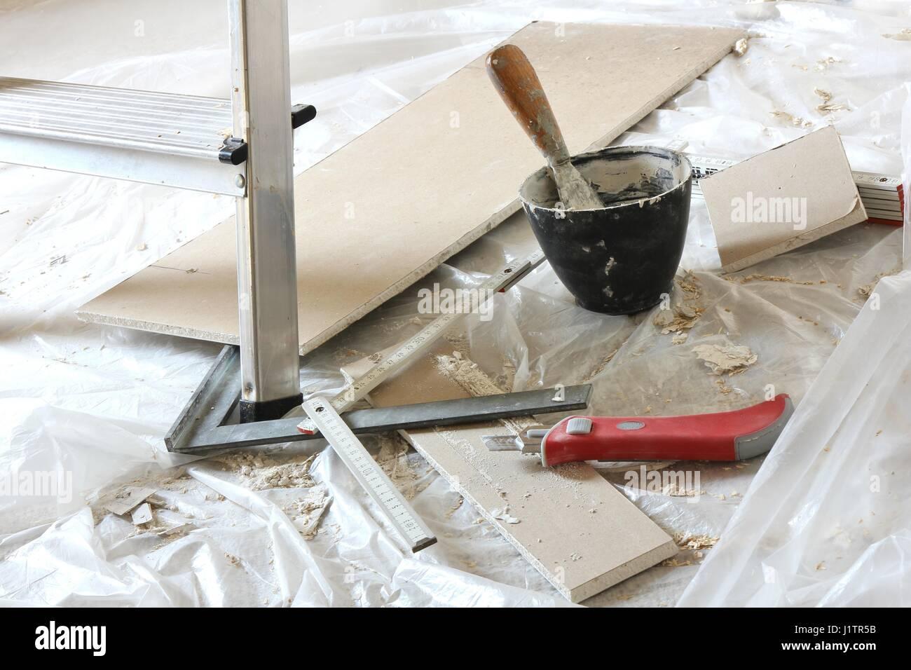 Plasterboard Installation Stockfotos & Plasterboard Installation ...