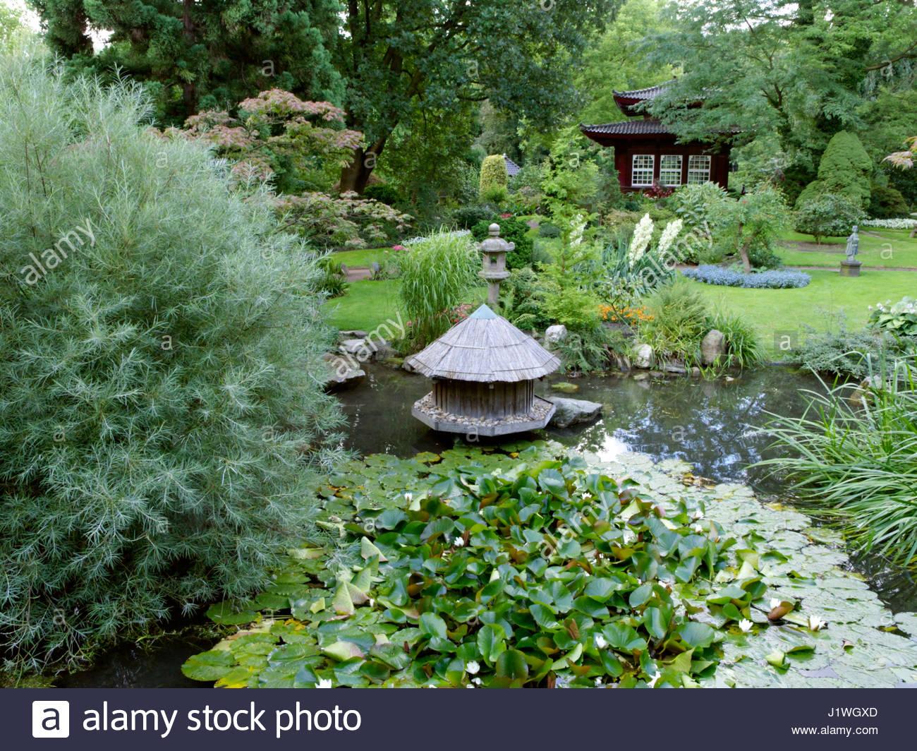 japanese garden leverkusen germany stockfotos japanese garden leverkusen germany bilder alamy. Black Bedroom Furniture Sets. Home Design Ideas