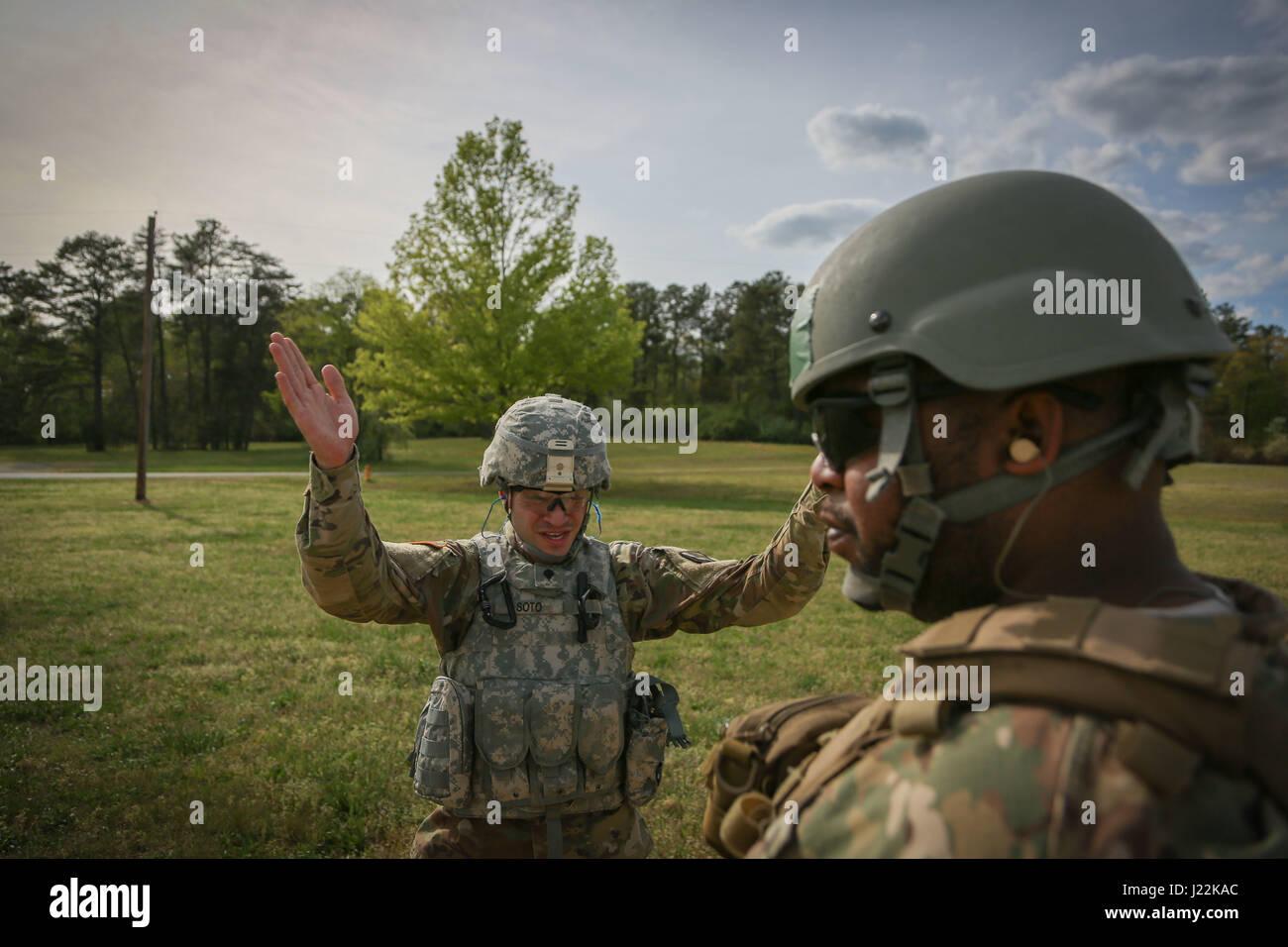 Berühmt Armee Infanterie Setzt Kugeln Fort Ideen - Entry Level ...