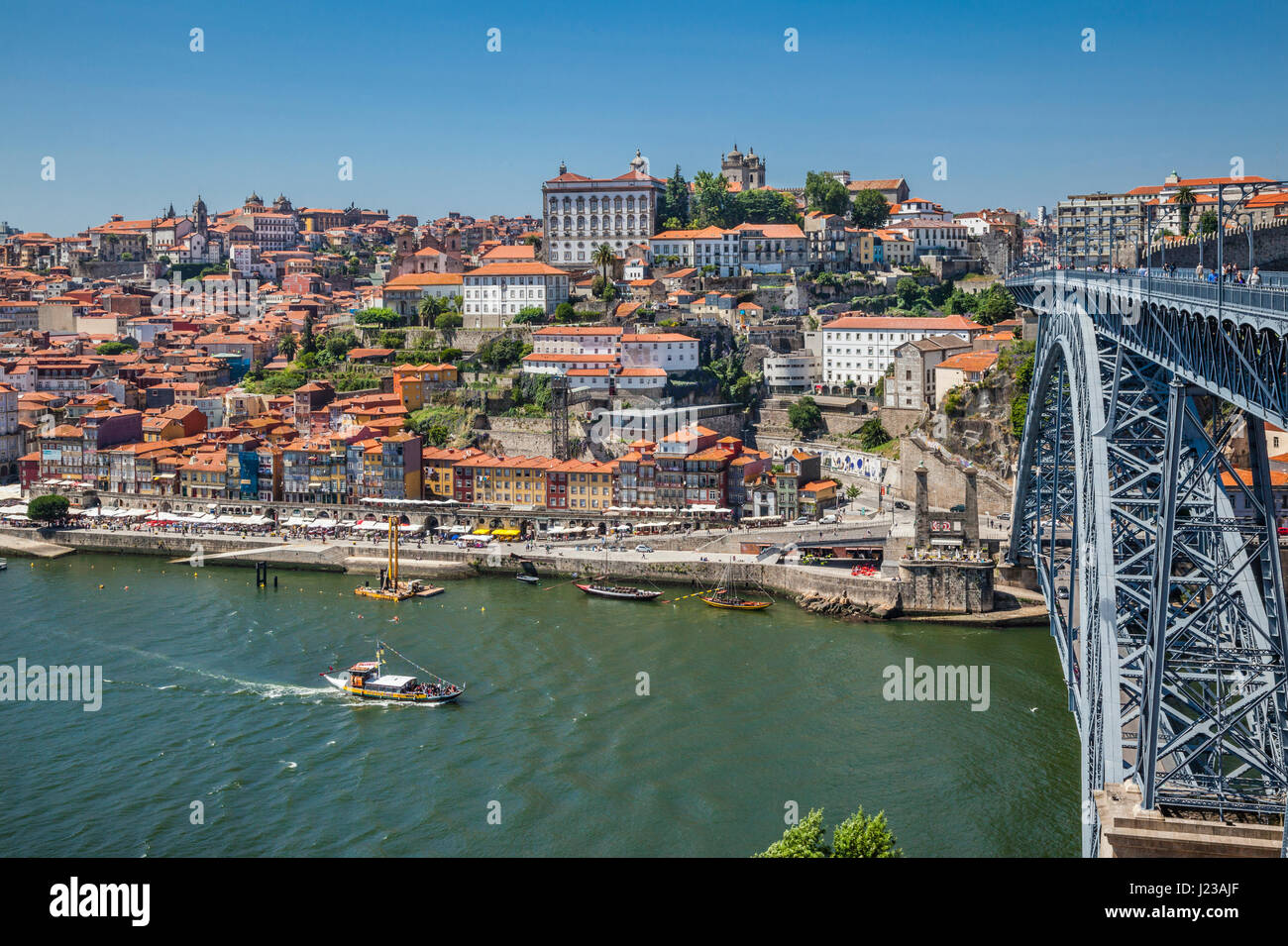 porto river douro portugal stockfotos porto river douro portugal bilder seite 3 alamy. Black Bedroom Furniture Sets. Home Design Ideas
