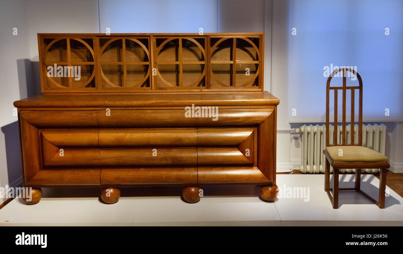 Buffet Und Stuhl Fur Ein Esszimmer Design Paul Thiersch 1912 Otto