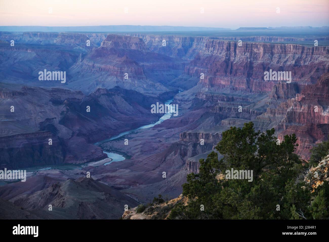 Malerische Aussicht auf den Grand Canyon bei Sonnenuntergang Stockbild