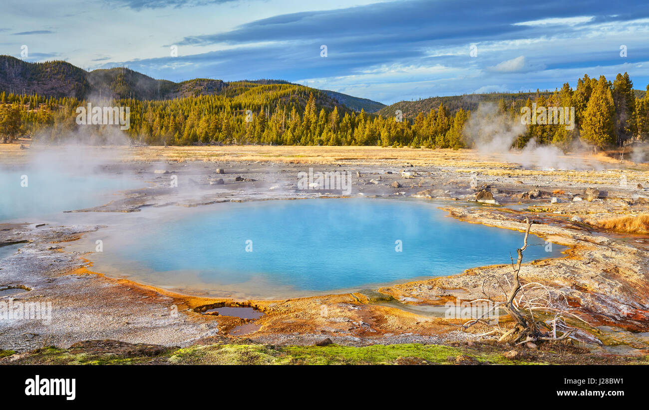 Yellowstone-Nationalpark Blick bei Sonnenuntergang, Wyoming, USA. Stockbild