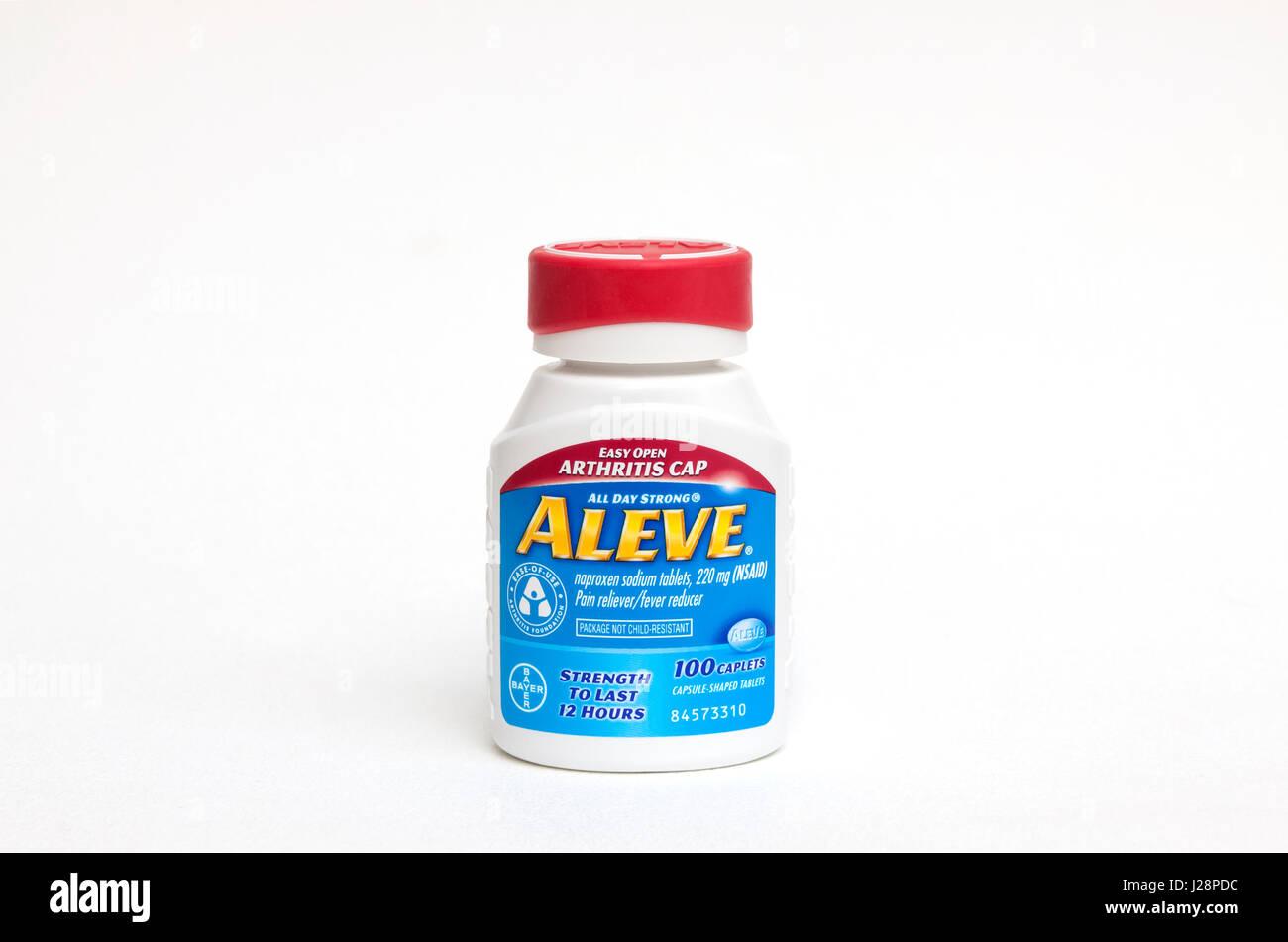 Aleve (Naproxen-Natrium), beliebte Markenprodukte, Flasche mit leicht geöffneten Arthritis Verschluss. Stockbild