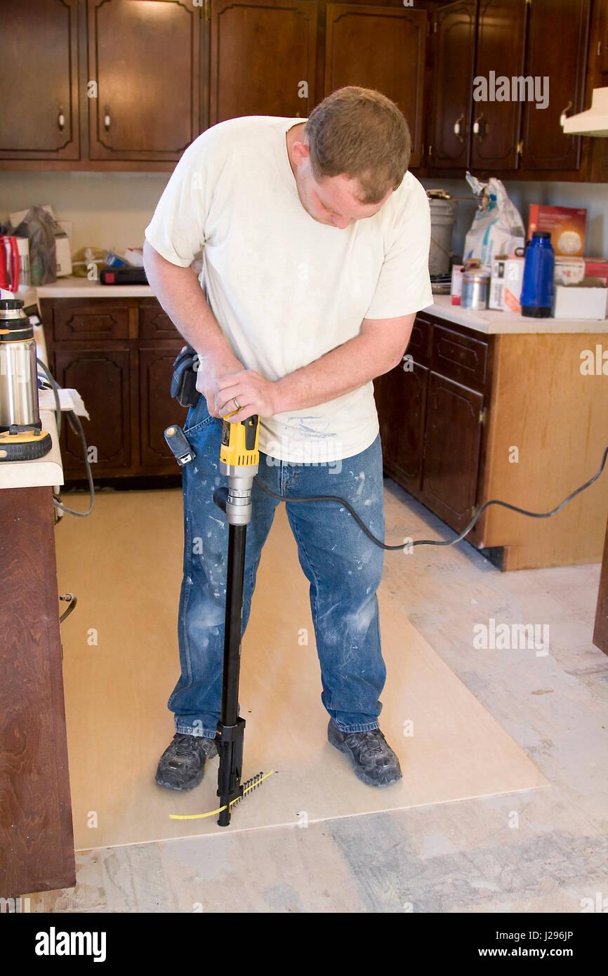 Auftragnehmer Unterbau Fur Den Neuen Fussboden Installieren