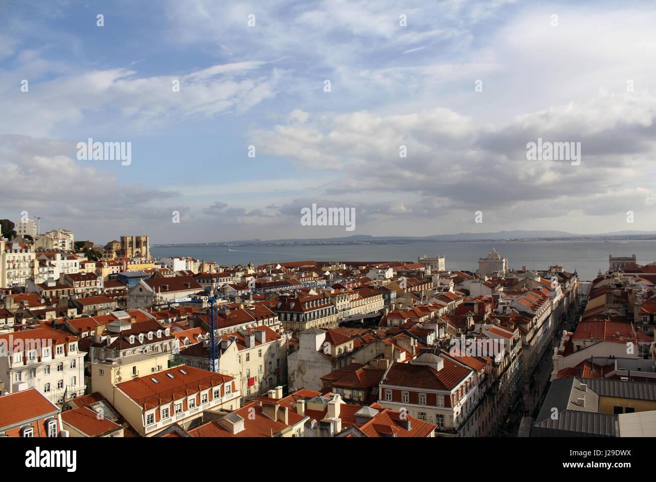 Lissabon Fluss draufsicht nach lissabon und den fluss tejo aus aufzug santa justa