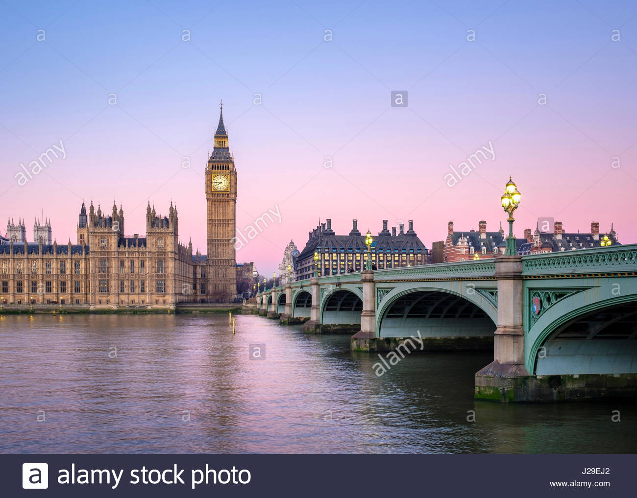 United Kingdom, England, London. Westminster Bridge, Palace of Westminster und der Uhr Turm von Big Ben (Elizabeth Stockbild