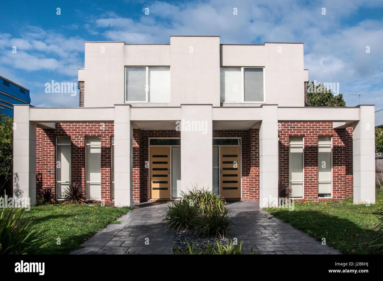 Krass moderne Wohnarchitektur in einem Vorort von Melbourne ...