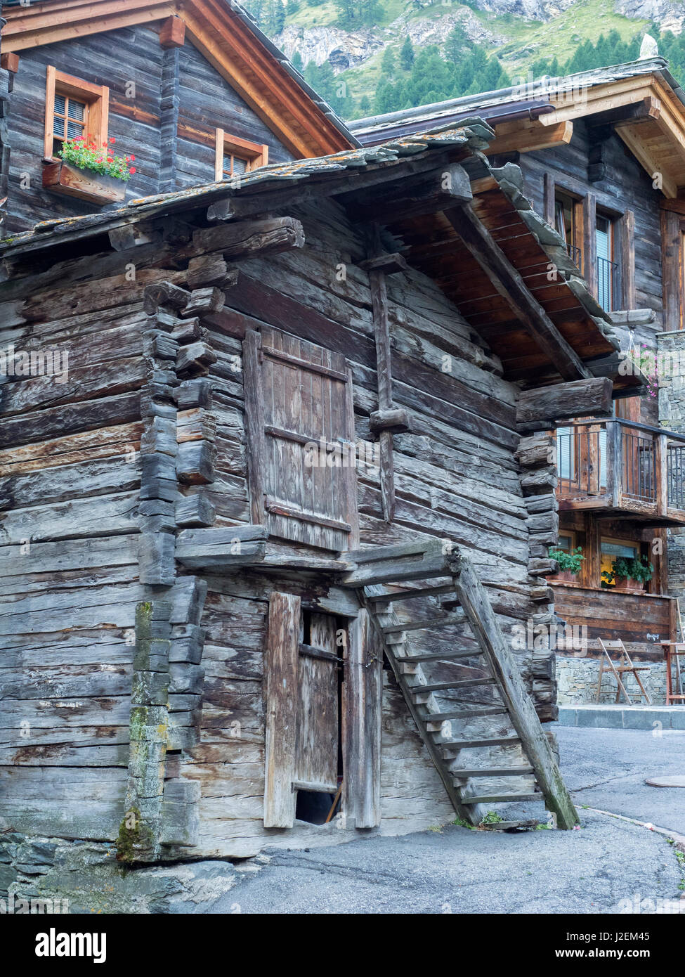 hinterdorf old zermatt switzerland stockfotos hinterdorf. Black Bedroom Furniture Sets. Home Design Ideas