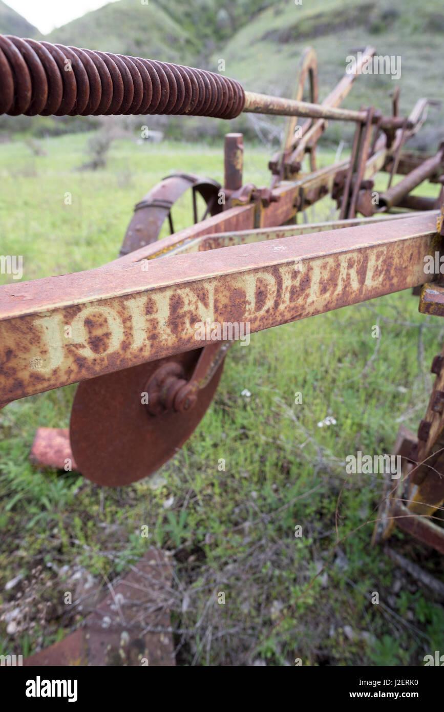 Alten John Deere Farm implementieren in Eastern Washington. Stockfoto