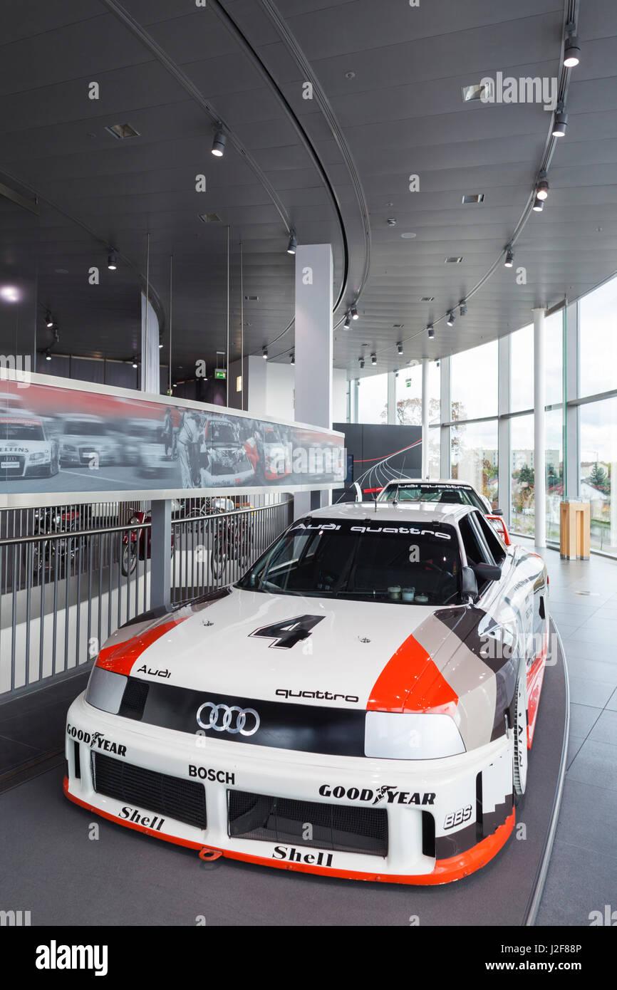 Deutschland, Bayern, Ingolstadt, Audi Auto Unternehmen Museum ...