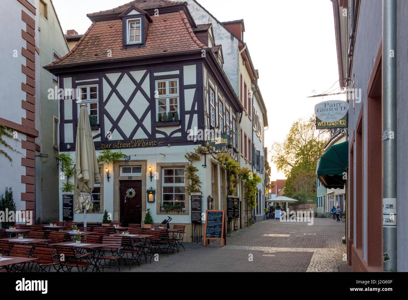 Korngasse Mit Gasthaus Zur Alten Münz In Speyer Deutschland