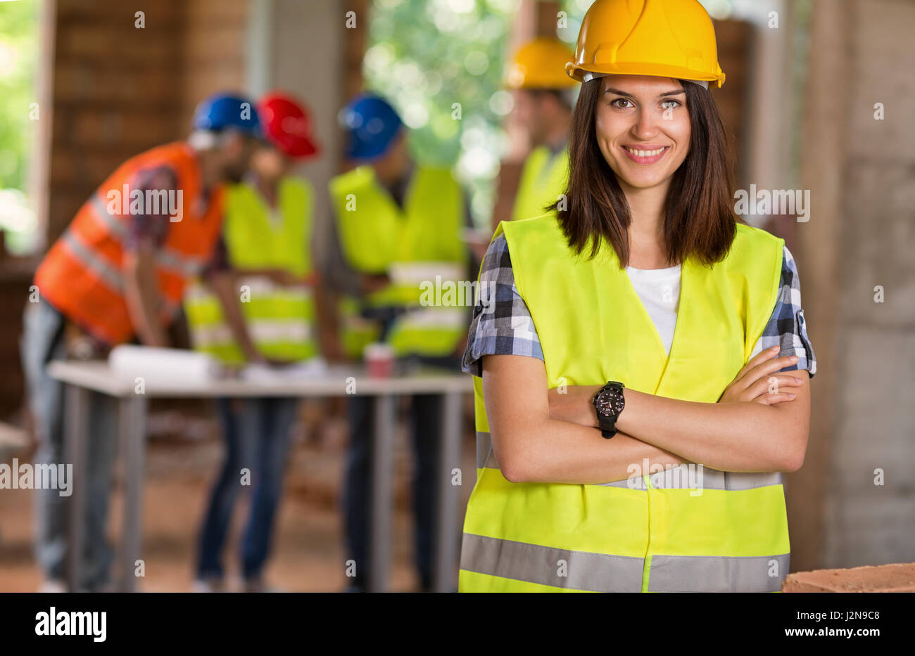 Porträt des jungen Studenten der Architektur auf Baustelle Stockbild