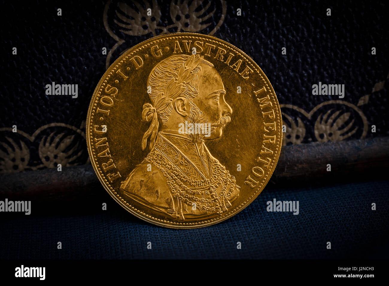 Detailansicht Der Austria Hungary Thaler Avers Der Goldenen Münze