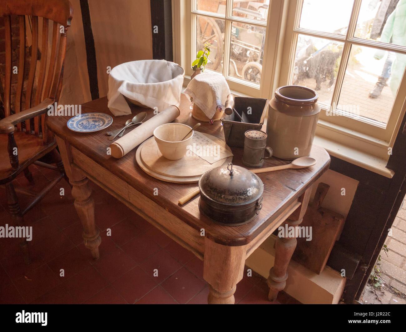Alte Kuchenutensilien Stockfotos Und Bilder Kaufen Alamy