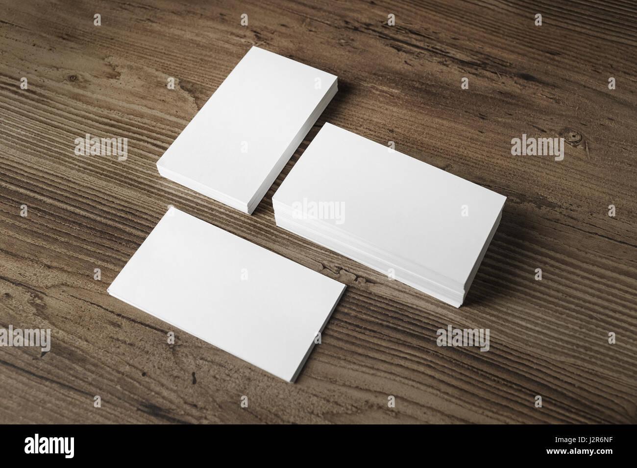 Mock Up Von Drei Leere Visitenkarten Stacks Auf Holztisch