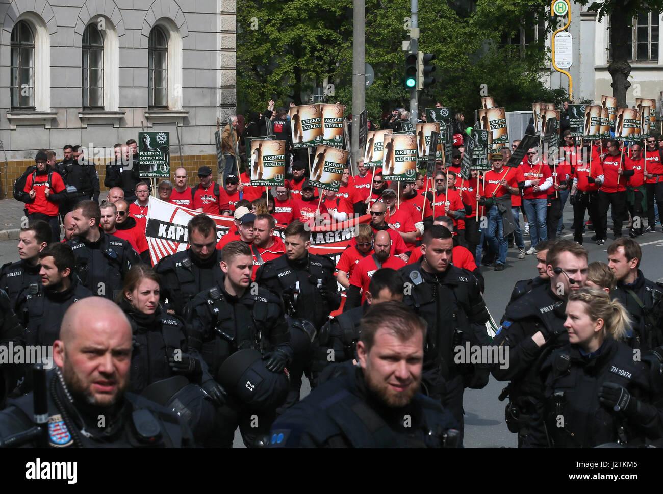 Gera, Deutschland. 1. Mai 2017. Anhänger der rechtsextremistischen ...